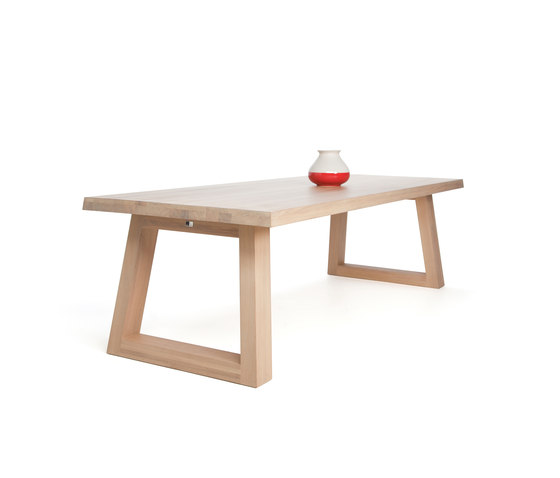 Slide Dining Table Naturel de Odesi | Tables de restaurant