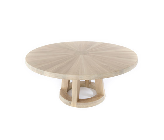 Solid table by Odesi | Restaurant tables