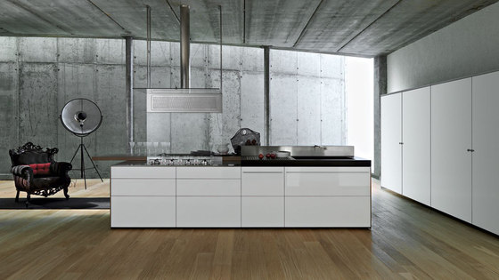 Artematica Multiline I Bianco Ghiaccio by Valcucine | Fitted kitchens