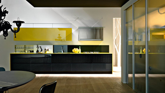 Riciclantica Vetro by Valcucine | Fitted kitchens