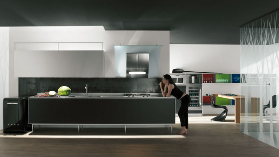 Riciclantica Carbonio by Valcucine | Fitted kitchens