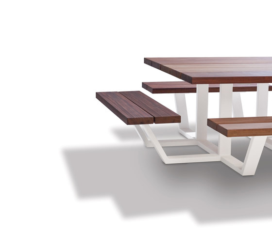 Carré by CASSECROUTE | Restaurant tables and benches