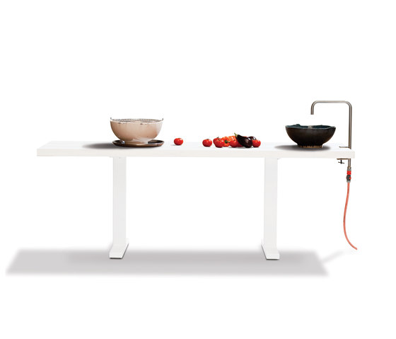 Field Kitchen de CASSECROUTE | Tables mange-debout