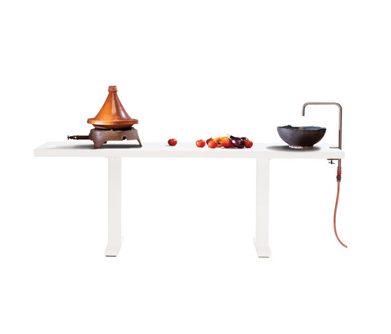 Field Kitchen by CASSECROUTE | Bar tables