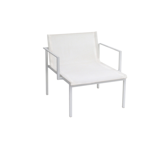 Una Armchair by Calma | Armchairs