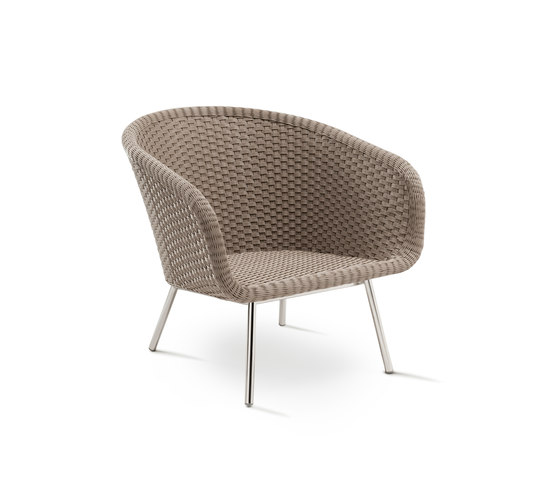 Shell Easy Chair by FueraDentro | Garden armchairs