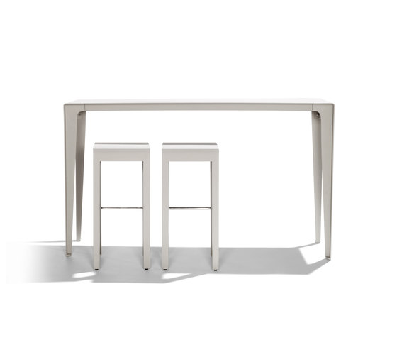 Mirthe Party table by Tribù | Bar tables