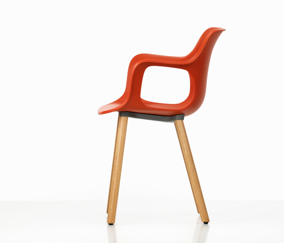 HAL Armchair Wood di Vitra | Chairs