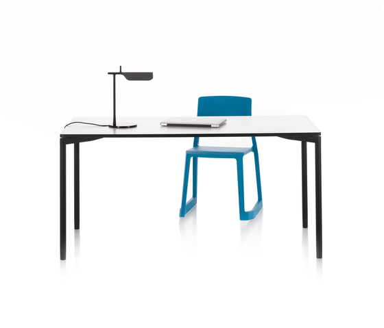 Map Table by Vitra | Classroom desks