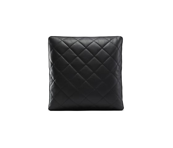 boutique leather Pillow di moooi   Cuscini