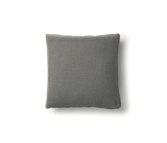 boutique chameleon hallingdal 153 Pillow by moooi | Cushions