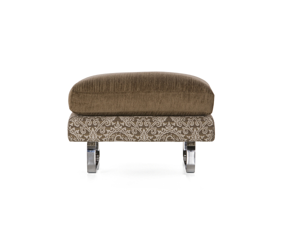 boutique medallion Footstool by moooi | Poufs