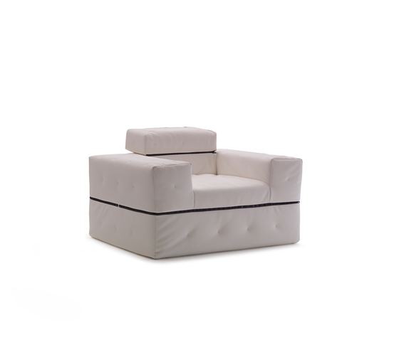Divaletto by Milano Bedding | Armchairs
