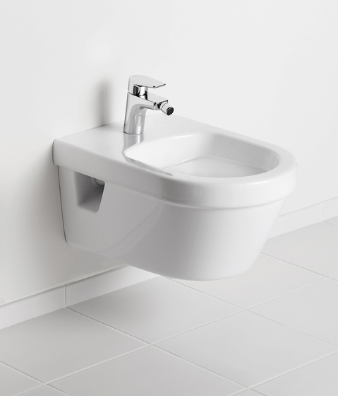 Omnia architectura Bidet wall-mounted by Villeroy & Boch | Bidets