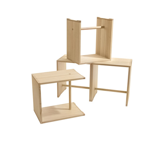 Bill | Ulmer Stool spruce wood de wb form ag | Mesillas de noche