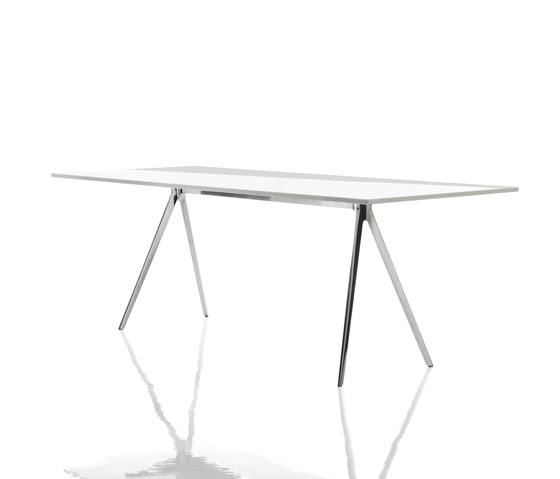 Baguette Table de Magis | Escritorios individuales