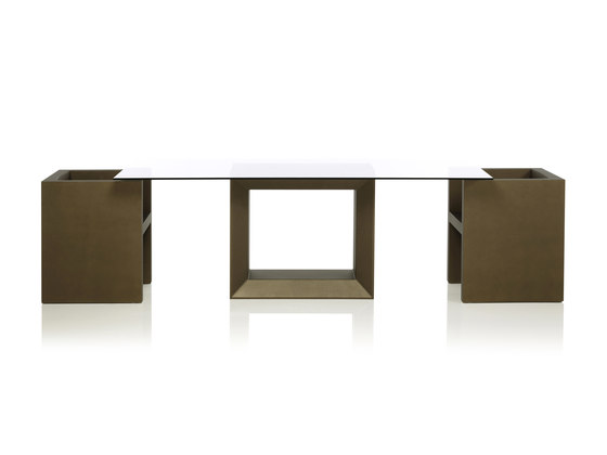 Vela table by Vondom | Dining tables