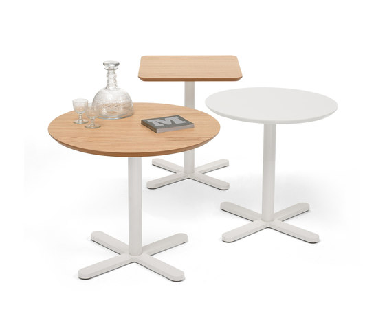 Oxi side table by Mobles 114 | Cafeteria tables