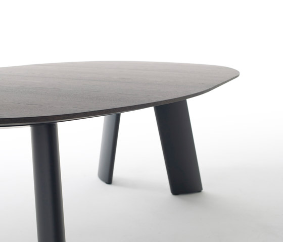 Transit by Arco | Dining tables