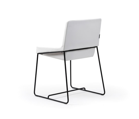 Tonic stackable chair de Rossin | Siegès de conference