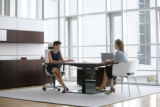 P2_Group | Executive Office by Bene | Multimedia conference tables