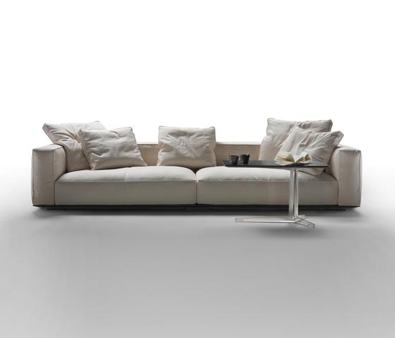 Grandemare di flexform divani letto prodotto for Rivestimento divani flexform