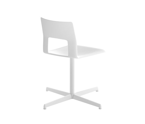 Kobe 4 star base chair by Desalto | Chairs