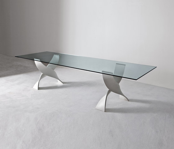 Helix by Former | Dining tables