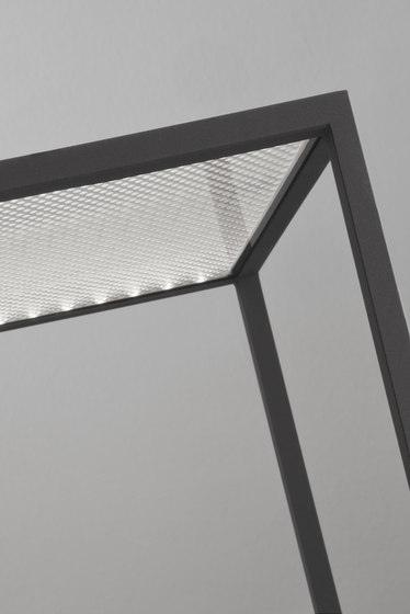 BlancoWhite C1 | Table by Santa & Cole | Lighting objects