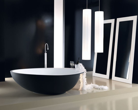 Party by Mastella Design | Free-standing baths