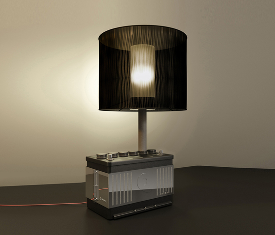 Ampere Table Lamp di Quasar | Illuminazione generale