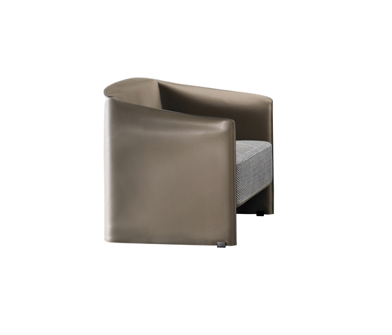 Case Armchair by Minotti | Visitors chairs / Side chairs