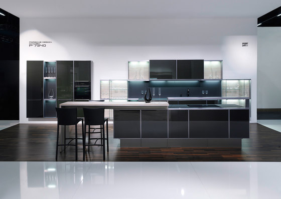 P'7340 by Poggenpohl | Island kitchens
