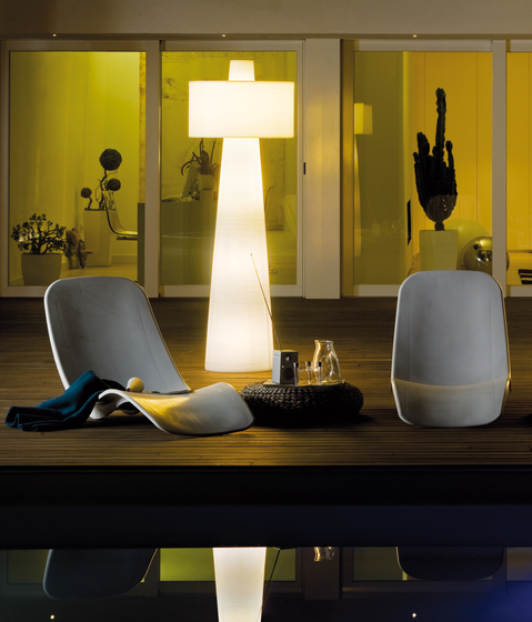 Up Floor lamp by LUCENTE | General lighting