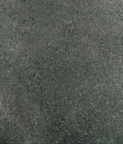 WIRE compact OUT 20 mm Black by Tagina | Tiles