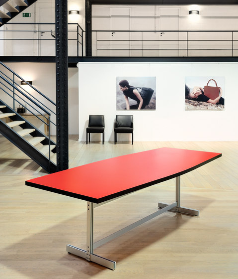 Cintrée de BULO | Tables de conférence