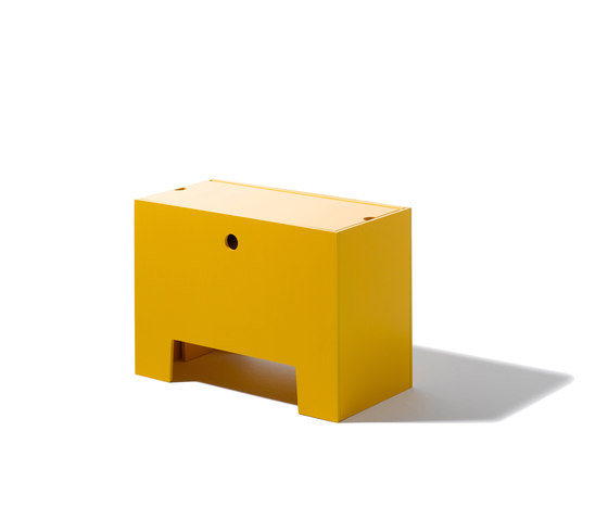 Wonder Box table and bench di Lampert | Children's area