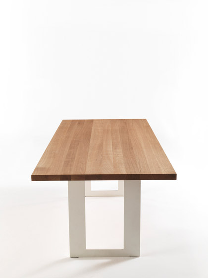 Darwin Natural Sides by Riva 1920 | Restaurant tables
