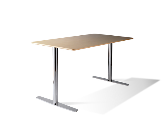 B 52 by Balzar Beskow | Individual desks