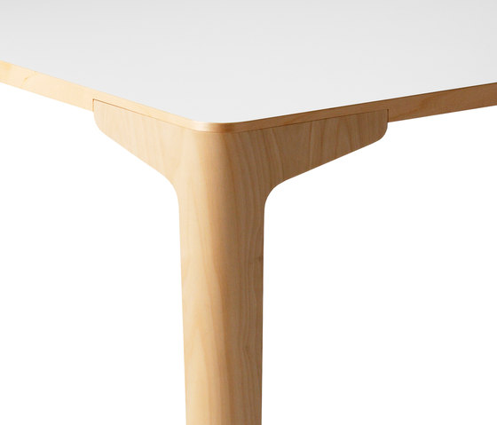 Curve by Balzar Beskow | Canteen tables