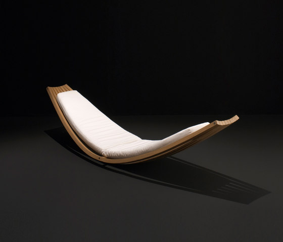 Sling by Boffi | Chaise longues