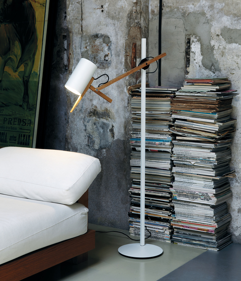 Scantling Floor lamp by Marset | Free-standing lights