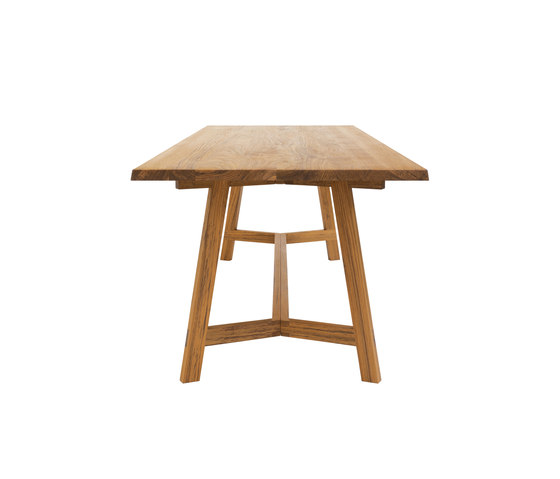 PAPAT table by INCHfurniture | Dining tables