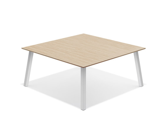 Wishbone IV 6660/17 by Casala | Canteen tables