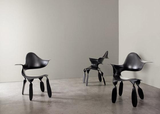 Dipinta di blu Armchair von adele-c | Stühle