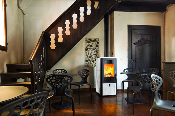Chari | Wood by MCZ | Wood burning stoves