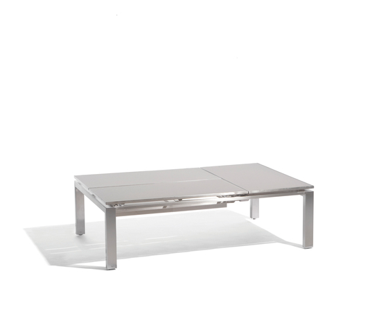 Trento tip up for 3 by Manutti | Coffee tables