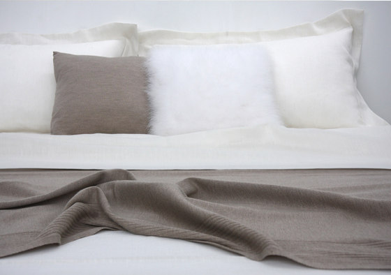 Bed Set E by Poemo Design | Bed covers / sheets