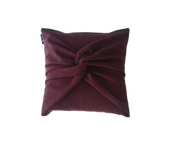 Elegant cushion de Poemo Design | Cojines