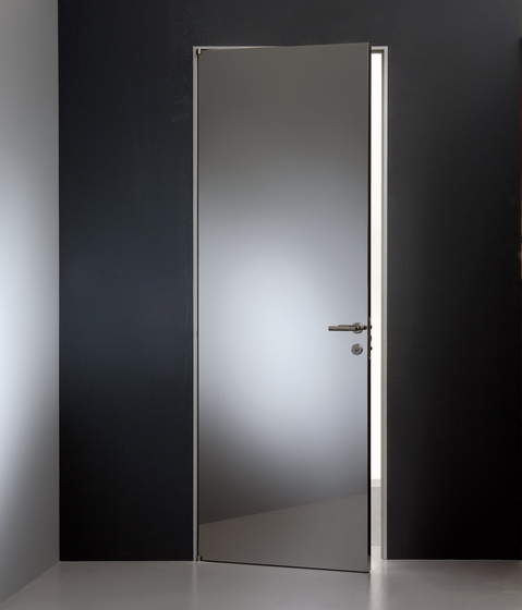 Planus cinque acciaio super mirror de TRE-P & TRE-Più | Puertas de interior